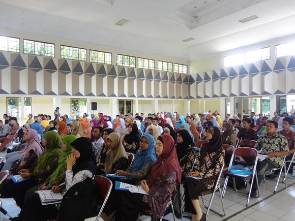 Seminar Bahasa Inggris Desa Bahasa & SPEC